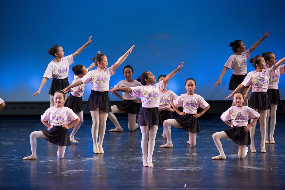 angel van school of ballet students