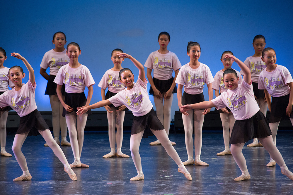 angel van school of ballet students