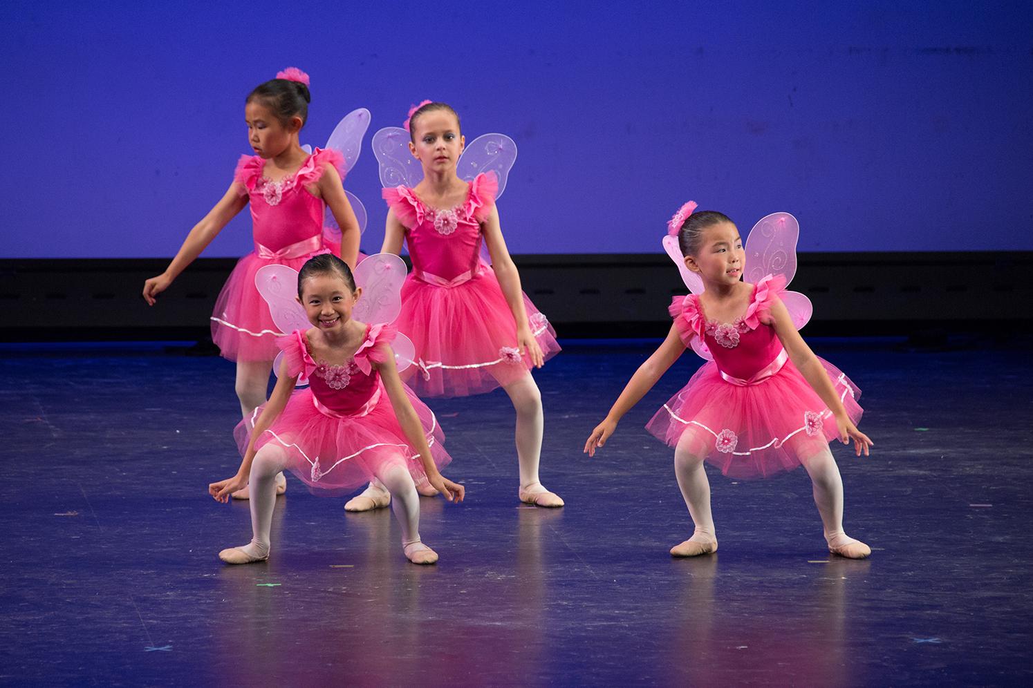 angela van school of ballet ballerina pic 3